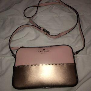 Kate Spade. Crossbody. Rosegold and blush pink bag